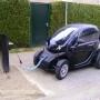 Renault Twizy opladen aan publieke laadpaal