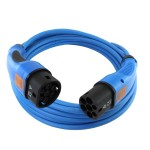 Blauwe laadkabel met ook blauwe stekkers